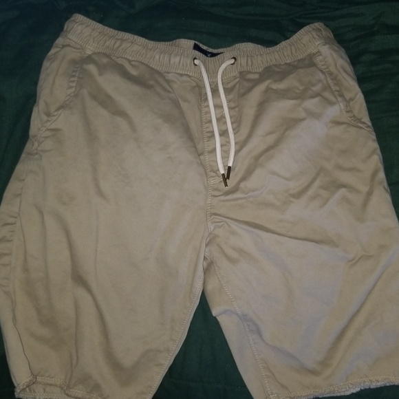 American Eagle Outfitters Other - Mens drawstring shorts
